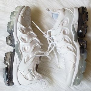 Nike Shoes - Nike Vapor Max